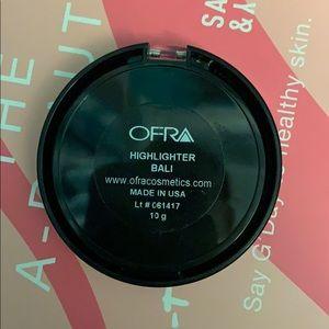 OFRA Makeup - Ofra highlighter